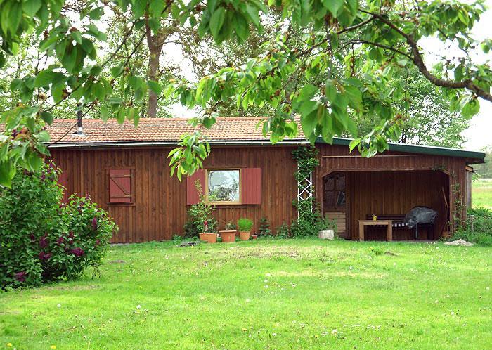 Bett fur gartenhaus geniessen sie in unserem etwa qm grossen gartenhaus die direkte nhe zur - Fenster fur gartenhaus ...